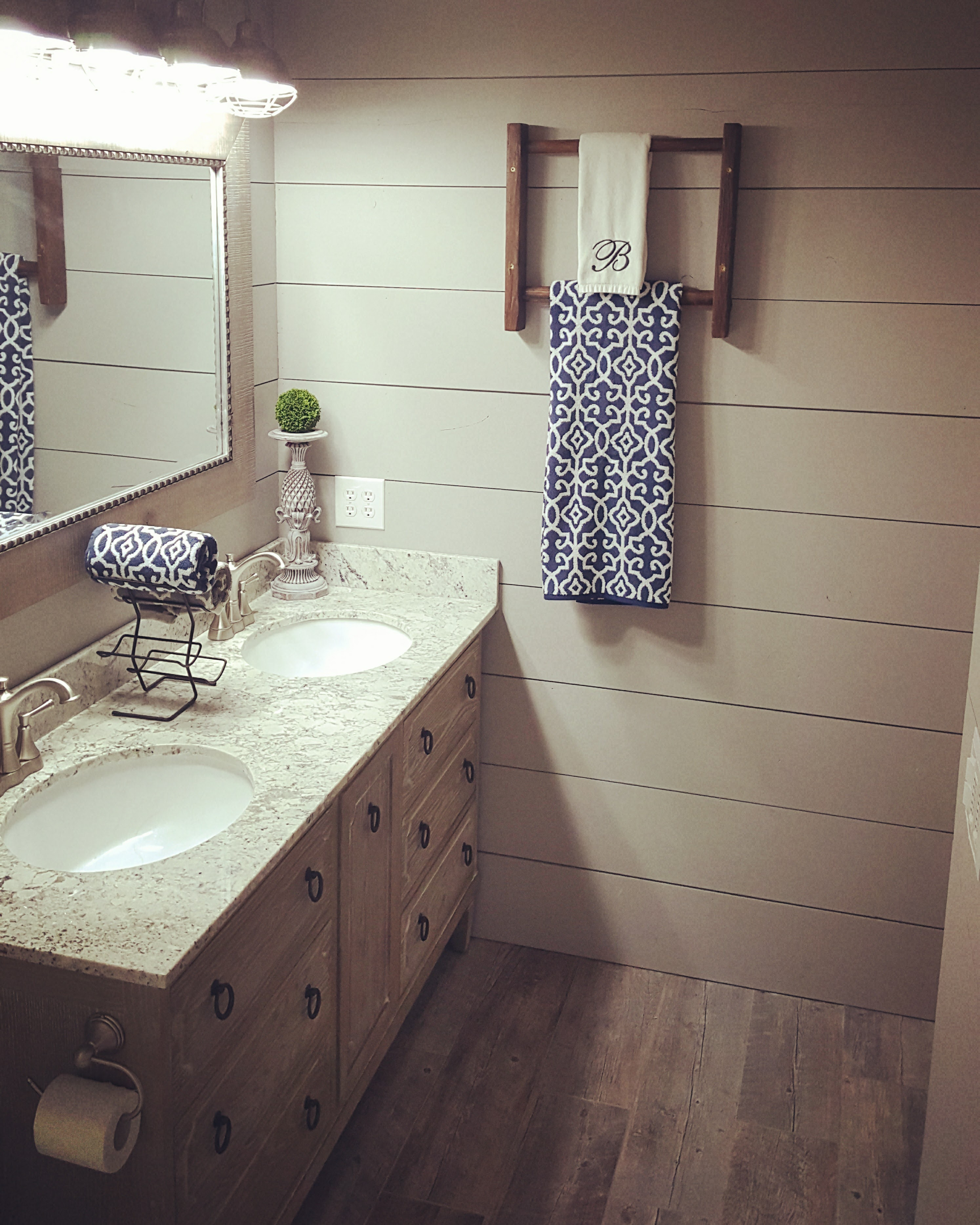 Shiplap farmhouse bathroom chalk paint
